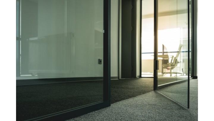 Efektywne czyszczenie podłóg i dywanów
